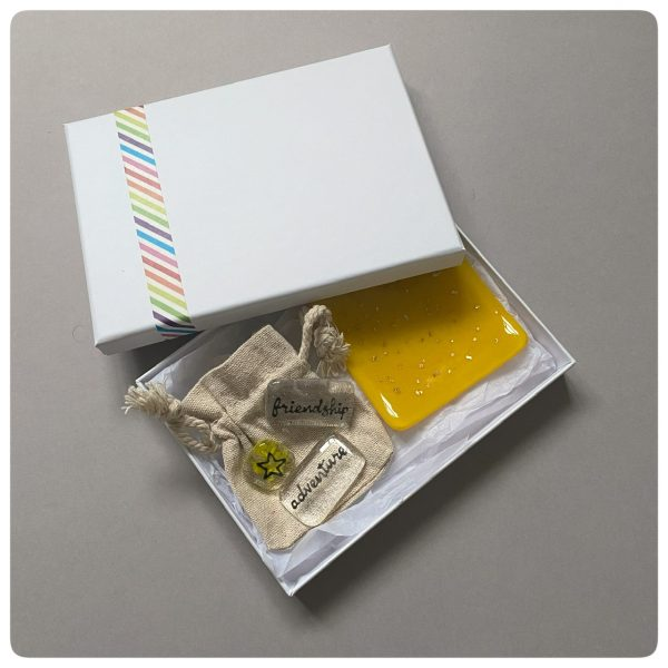 Yellow glass gift set